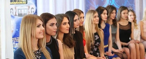 jeunes filles à la mode en Biélorussie