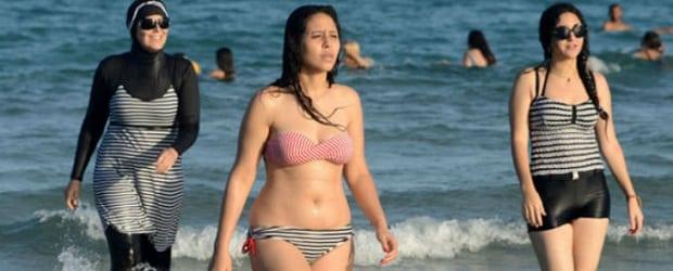 femmes algériennes à la mer