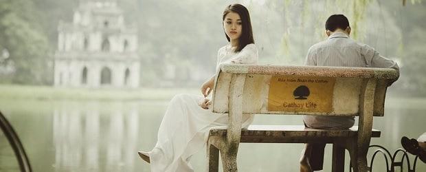 femme du Vietnam assisse