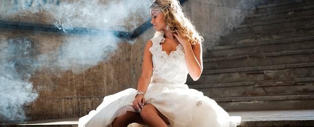 femme slovaque en tenue de mariée