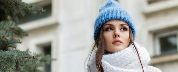 femme québécoise avec un joli bonnet